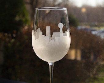 Etched Knoxville, Tennessee Skyline Silhouette Wine Glasses