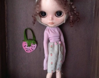 """Outfit for blythe """"Strwberry bunny"""""""