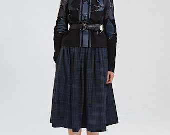 Pleated skirt Midi skirt Wool skirt Plaid skirt 50s skirt Handmade Italian wool skirt Navy skirt Made to order Skirt with pockets Plus size