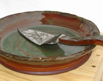 Pie Plate/Baking Dish with Stainless Pie Server in Harvest Colors