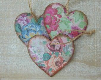 Floral Rustic Wooden Hanging Hearts (Pack Of 3 )