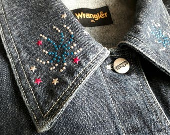 Wrangler Ladies Denim Jacket Size XL Vintage with Fireworks Embellish Collar