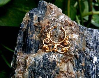 Goldfilled Septum Ring, fake Septum Ring, Handmade Septum Ring, Septum Cuff, Septum Clip, Tragus, Helix, Cartilage Earrings. Design no. FG8