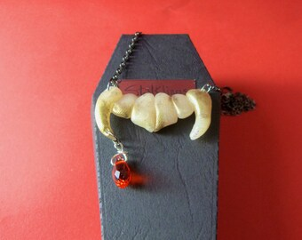 Blood Drop Glistening Gold Fangs Gothic Necklace in a Cute Coffin Box