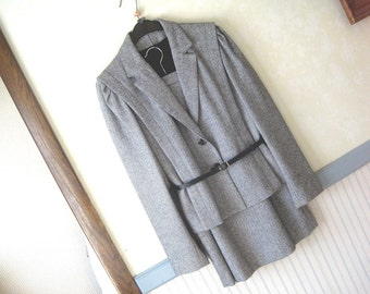 Brand CANDA. Tweed Suit. Jacket & Skirt with lining. 32% wool mix. UK Size 10. USA Size S.  Vintage.