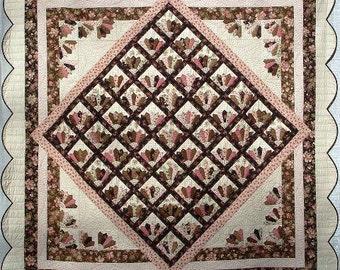 Meet Me In Paris Quilt Pattern ~ The Scrappy Appleyard ~ Make With EZ Dresden Ruler