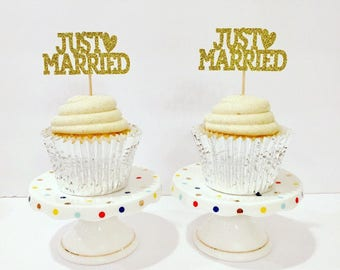 Just Married Cupcake Toppers / Set of 12