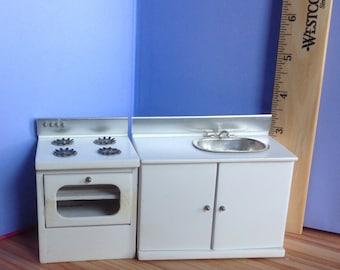 Dollhouse Miniature Kitchen Sink  Stove lot