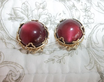 Vintage Clip Unsigned Beautiful Burgundy Stone Earrings with Gold Toned Setting