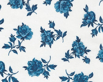 True Blue - Toss Floral White from Timeless Treasures