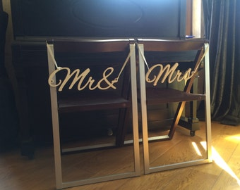 Wedding chair signs Mrs and Mr. Wedding signs  DIY.  Top Table signs Mr & Mrs, Wedding decoration signs. Wedding chair signs. Mr and Mrs