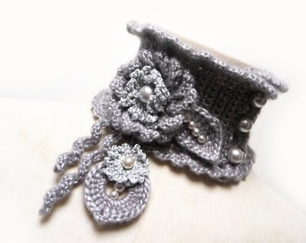 Silver Grey Crochet Neckwarmer with Flowers and Glass Pearls - Sparkling Cowl Choker - SILVER GARDEN