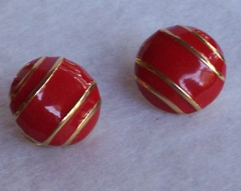 Bright Red with Gold Stripes Clip On, Vintage Earrings. Beautiful set.  Free Shipping