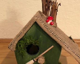 Sloped roof bird house