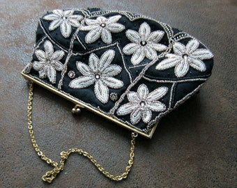 Reserved for Diana /// Former gorgeous PROM PURSE / handbag embroidered with BEADS