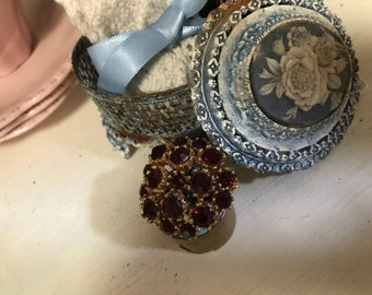 Beautiful Red Ruby  / Garnet 1940's Brooch