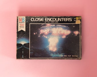Vintage 1977 Sealed Close Encounters Of The Third Kind Jig Saw Puzzle Milton Bradley