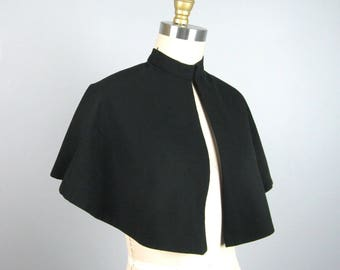 Vintage 1940s 1950s Wool Caplet 40s 50s Small Black Wool Cape Size Small or Child