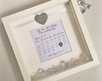 Personalised wedding day gift calendar keepsake