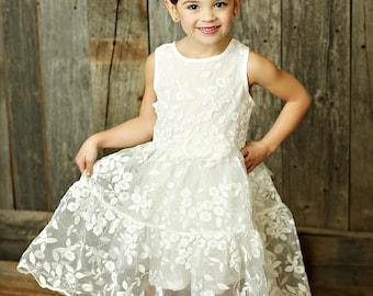 Flower Girl dress,girls lace dress,lace flower girl dress, girls easter dress, rustic flower girl dress,Country flower girl dress