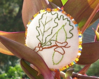 Brooch acorn, Woodland Pin, Eco friendly ornament, Oak Leaves and Acorn pin, beaded jewelry, cute brooch, Ecology embroidery, Waldorf pin