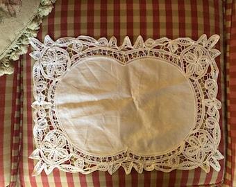 Country Chic Battenburg lace set of four placemats
