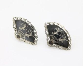 Vintage 1950s Siam Sterling Silver Black Niello Enamel Fan Screwback Earrings. [1591]