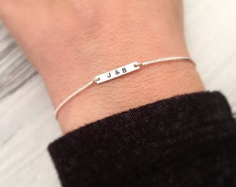 Petit Bracelet personnalisé - Bracelet minimaliste - Bracelet initiale - bijoux - Bracelet en argent fin - lettre personnalisé Saint Valentin cadeau