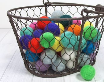 Handmade Felt Pom Poms, 25 pieces, Felt Balls, Size 2 cm, 100% Merino Wool