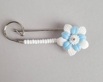 Vintage flower kilt or shawl pin brooch