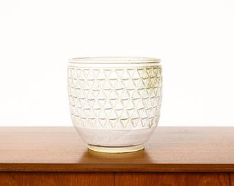 Ceramic Stoneware Planter — Large Delta pattern —White Glaze — P38