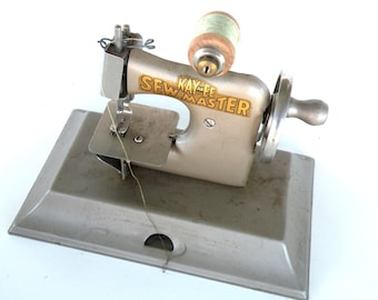 SEW Master Sewing-Vintage Kids Toy-Best Selling Items-Toy Sewing Machine-Children-Hand-Girl-Stitch-Thread-Vintage Metal-Clothing-Craft
