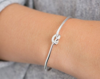 Sterling Silver FRIENDSHIP LOVE KNOT Bangle