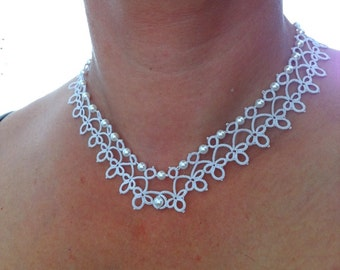 Bridal tatted necklace with pearls