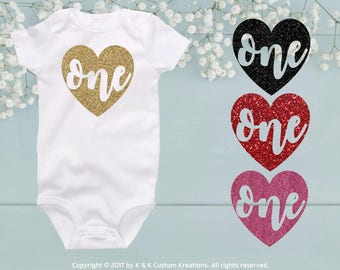 ONE HEART First Birthday Outfit, One Gold, Birthday Bodysuit, 1st Birthday Cake Smash Outfit, Birthday Shirt, Choose 24 Glitters