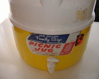 Vtg One Gallon Amoco Family Picnic Jug Thermos Yellow Complete Spigot Labels