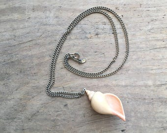 Vintage Avon necklace and plastic shell pendant