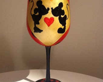 Kissing Mickey and Minnie hand painted  wine glass