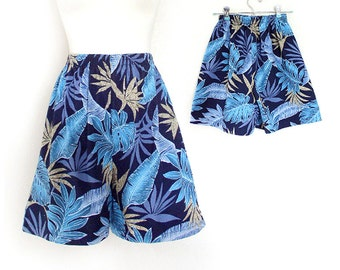 Vintage 80s High Waisted Tropical Print Women's Shorts - Beachy Blue and Tan Jungle Leaf Print Cotton Shorts - Size Small