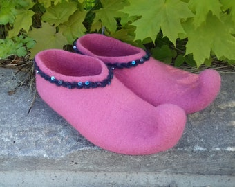 Felted slippers Elves Women slippers with soles   Wool women house shoes House boots Organic wool clogs Eco friendly gift
