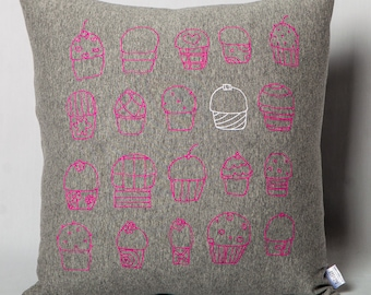 Cushion in grey jersey Cupcakes for kids