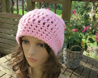 Crochet beret crochet has pink Shelly