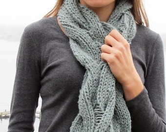 Infinity Scarf or Cowl PDF knitting pattern with Reversible Cables