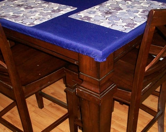 Fitted tablecloth