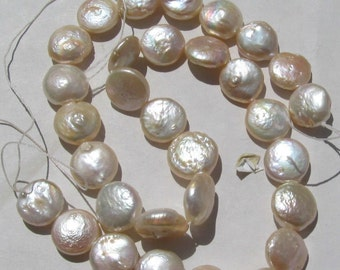 Pearls Coins cultured 11 to 13mm - 1 strand - peach color