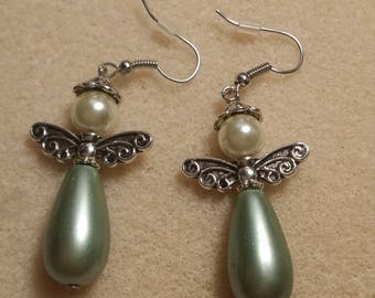 Angel earrings in cream and light green glass pearls