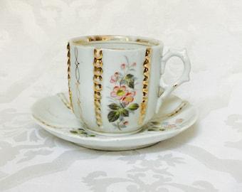 Antike große alte Paris Porzellan Kaffee Teetasse und Untertasse aus den 1800er Jahren Floral Gold Französisch Knoten handbemalt