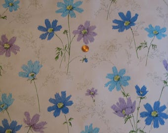 Retro Violet and Blue Flowers Wallpaper