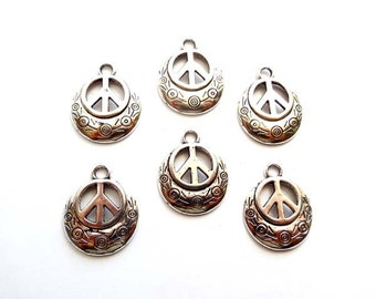 6 Antique Silver Peace Symbol Charms - 21-58-1