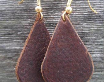 Brown leather teardrop earrings with gold hooks/brown leather earrings/teardrop earrings